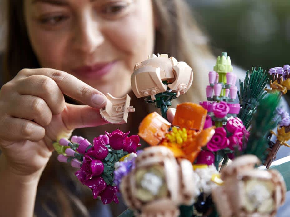 Lego Has Flower Bouquets That You Won't Be Able to Kill