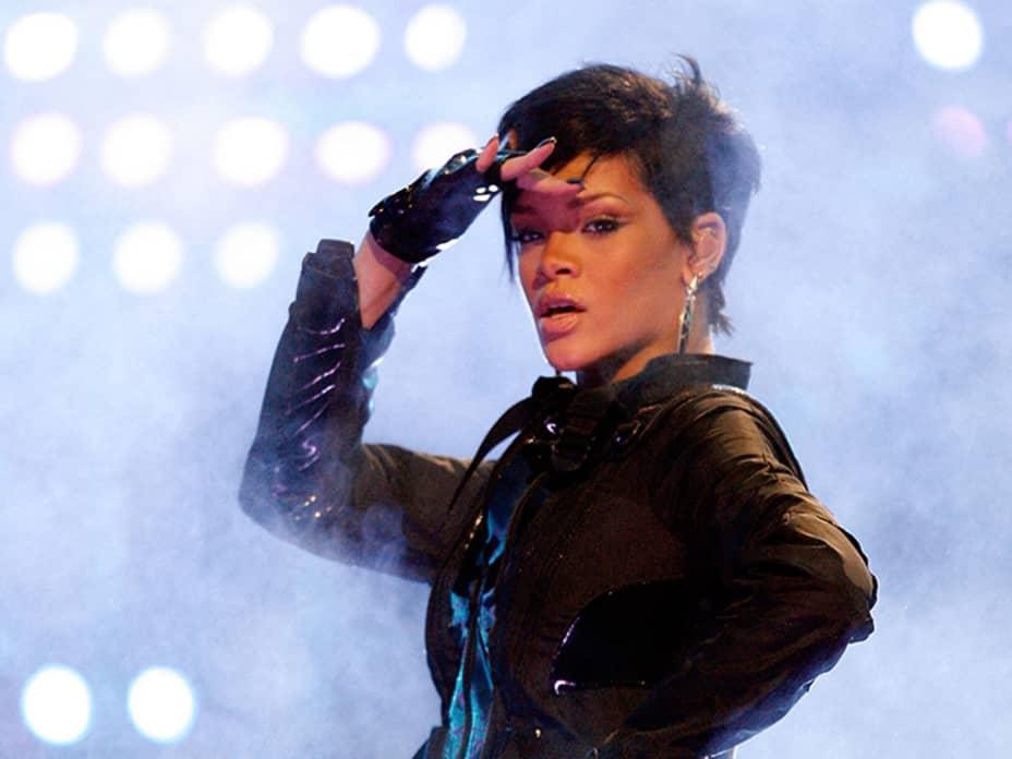 How Rihanna Became a Billionaire